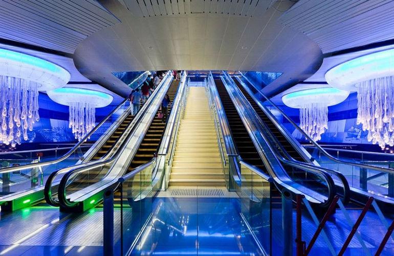 78cee_Dubai_metro_04