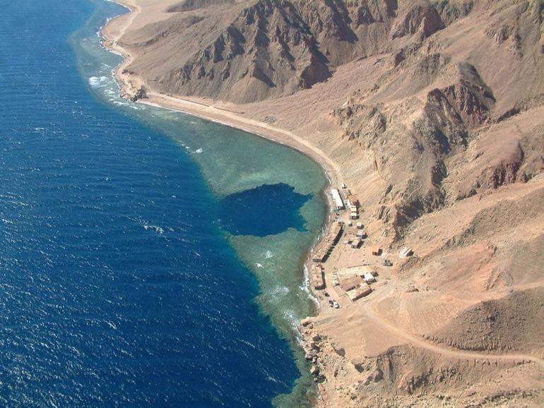 Blue-Hole-Dahab-Egypt