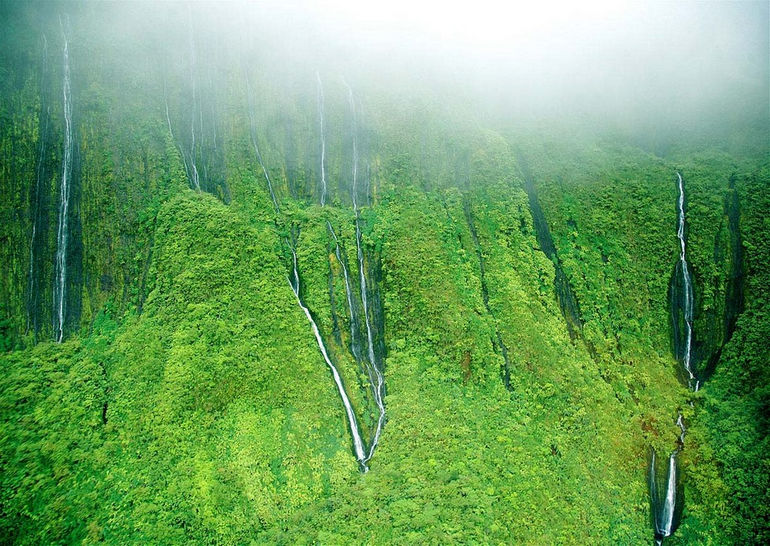 Honokohau-Falls-Maui-Hawaii