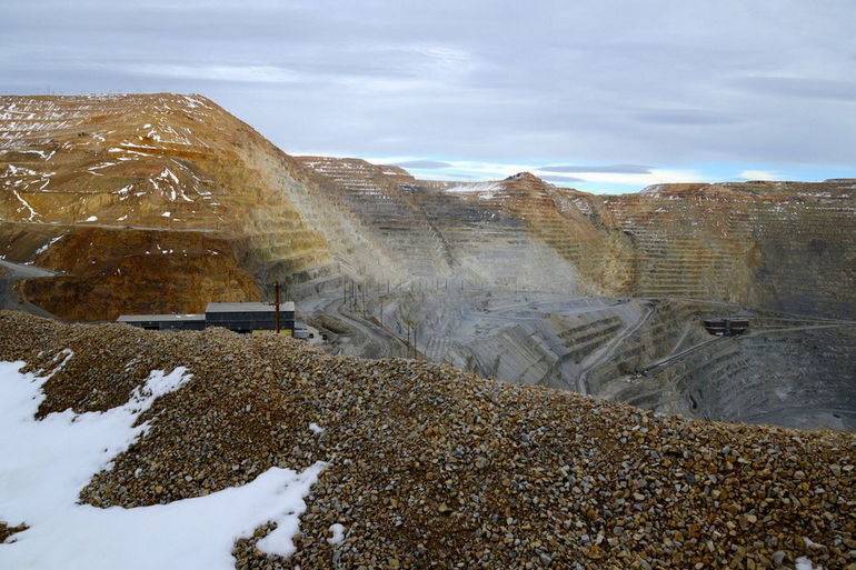bingham-canyon-copper-mine-before-slide