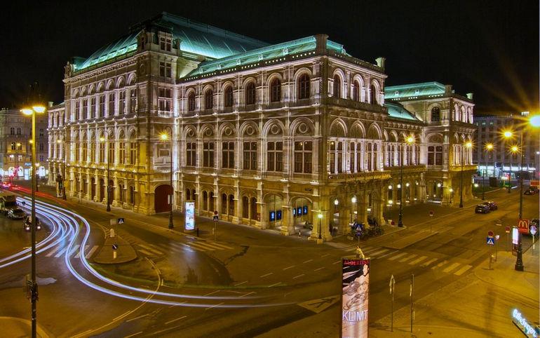the_albertina_museum_in_vienna