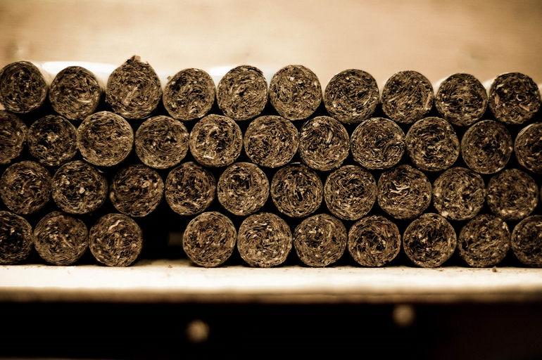 Handmade_cigars._Tabacalera_de_Garcia_Factory._Casa_de_Campo,_La_Romana,_Dominican_Republic_(2)
