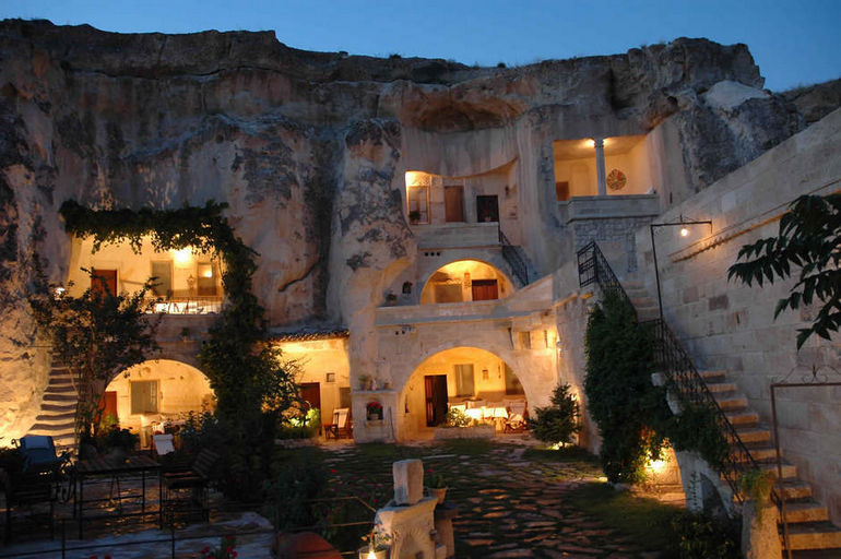 Kokopellis-Cave-Bed-and-Breakfast-USA-Amazing-World-Class-Hotels