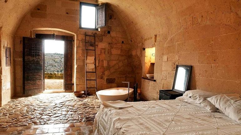 Kokopelli's-Cave-Hotel-7