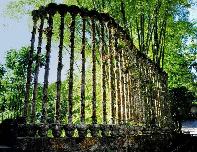 Сказочный мир среди горного леса: сюрреалистический парк «Las Pozas» (Мексика)