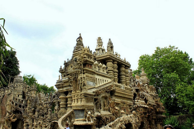 дворец Шеваль