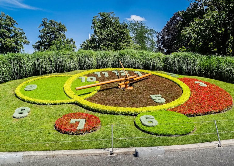 Цветочные часы в Женеве: дань науке и мастерству (Швейцария)