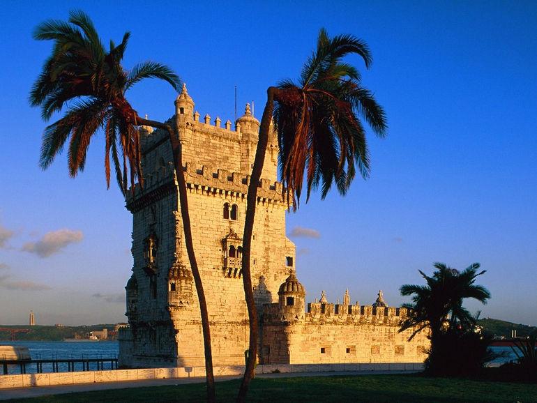 Замок Торре де Белем в Лиссабоне (Португалия)