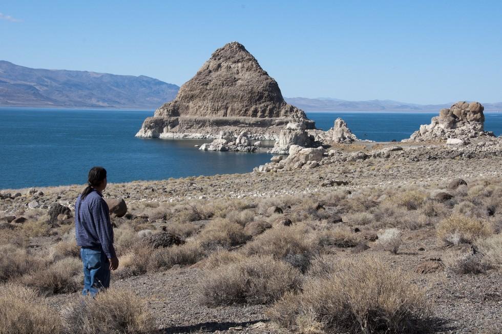 Озеро Пирамид (США)