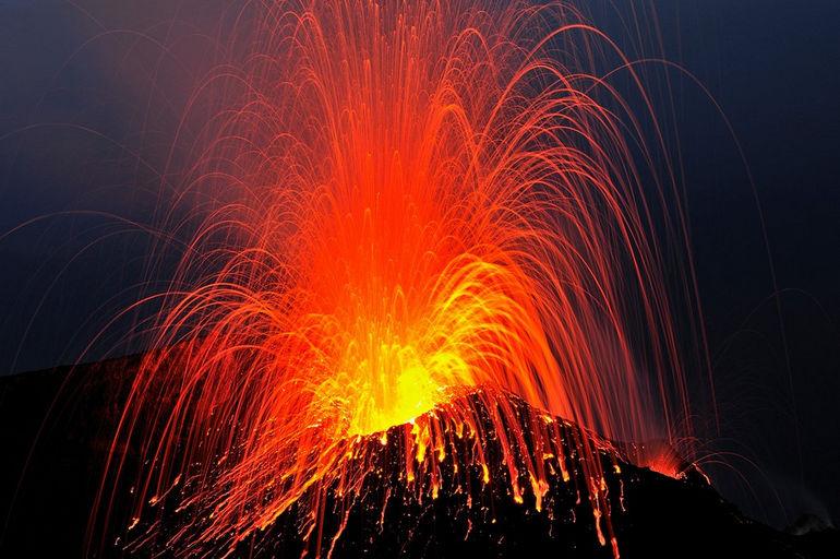 Вулканический остров Стромболи