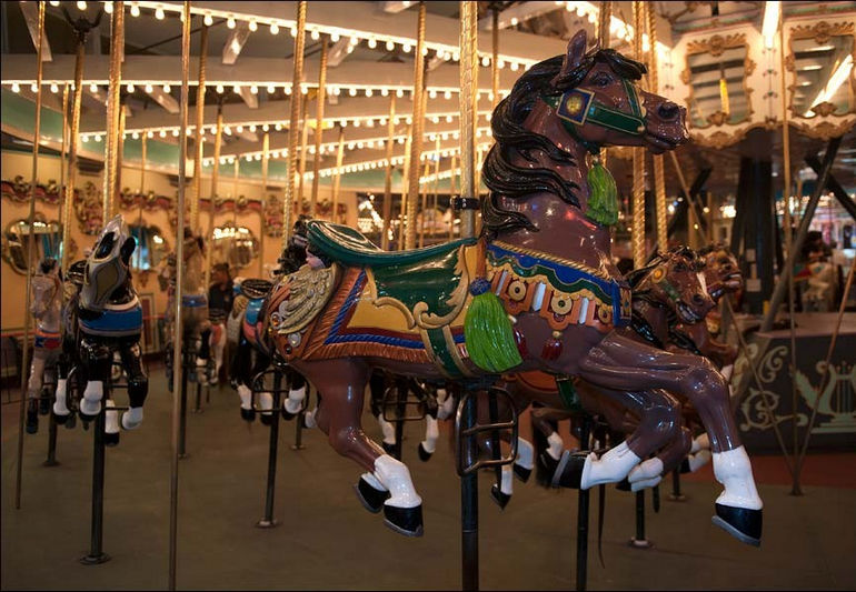 карусель Looff Carousel