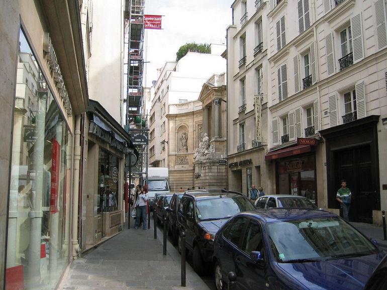 Фонтан Четырех Сезонов в Париже (Франция)