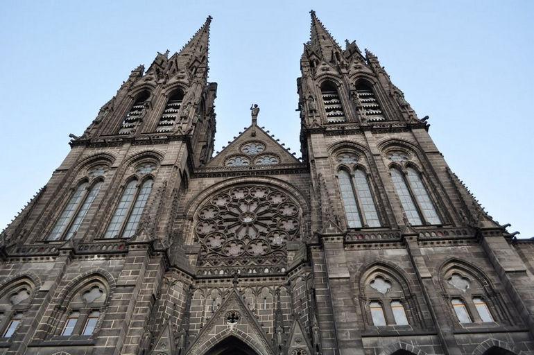Клермон-Ферранский собор