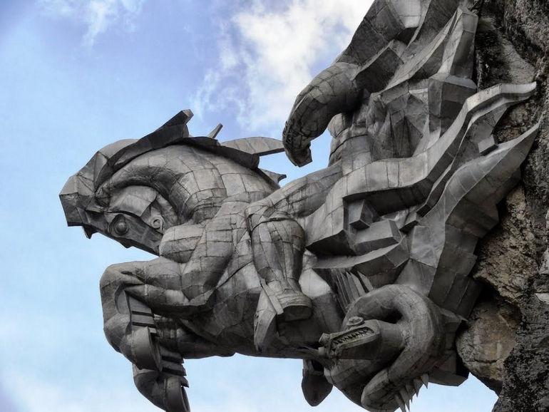 Памятник Уастырджи: самый высокий конный монумент в мире (Россия)
