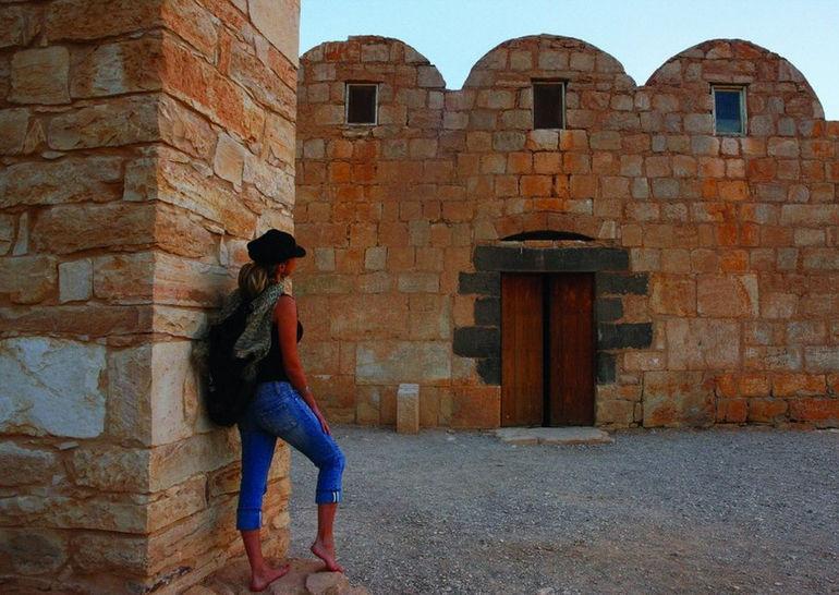 9_151_5_amra_castle__qusayr_amra_2