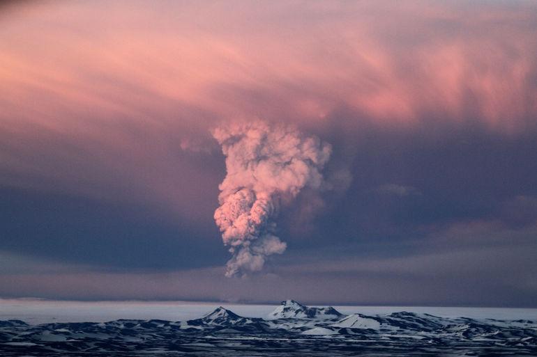 Iceland-Volcano-2011-31