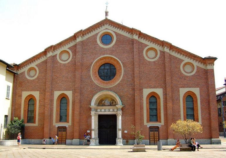 Santa_Maria_delle_Grazie_Milano_Front_View_07-08-2007