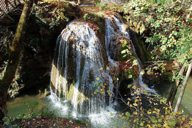 Водопад Бигар: природное чудо в форме гриба (Румыния)