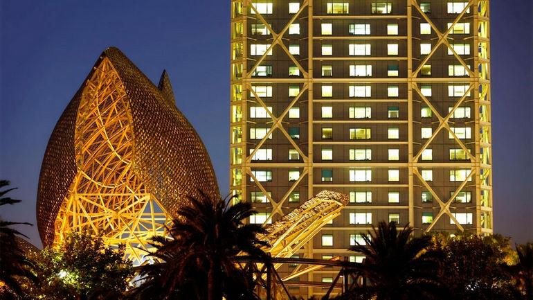 Hotel-de-les-Artes-Barcelona-Fish-Pictures-1-3