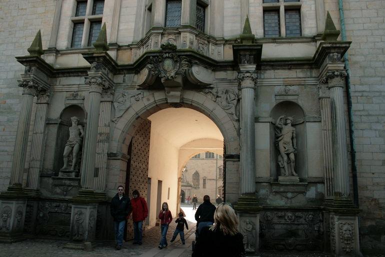 Kronborg-Castle-Arch-castles-125923_1920_1280