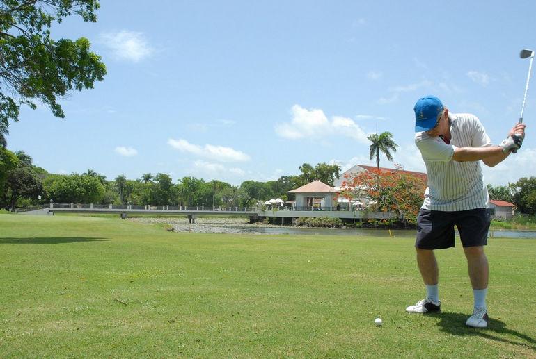 golf_at_the_celuisma_dorada_resort