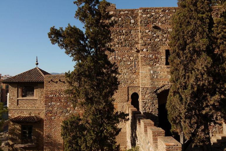mc3a1laga-spain-9-walls-of-alcazaba-de-mc3a1laga