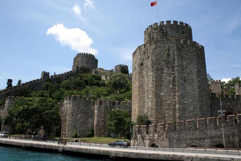 Румелихисар: крепость, контролировавшая Босфор (Турция)