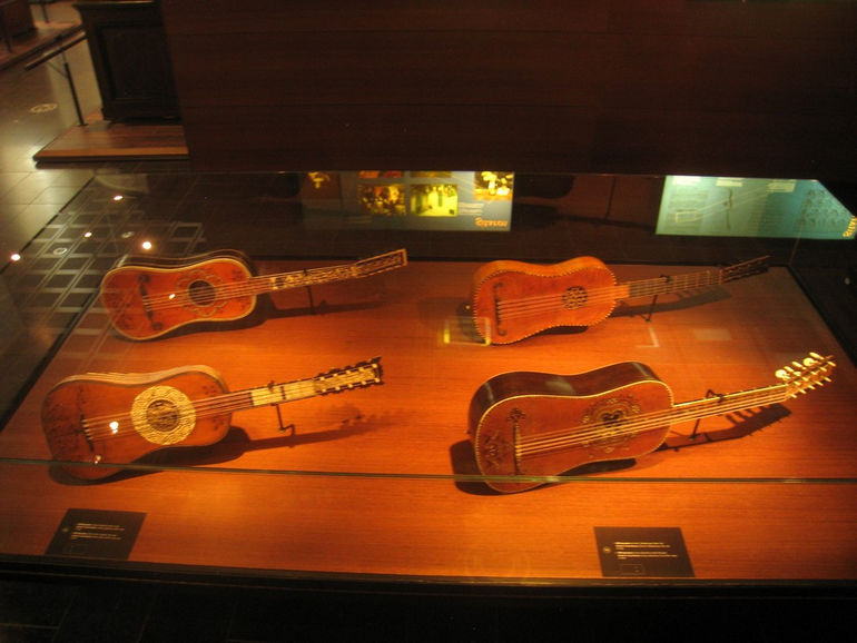 Уникальный музей музыкальных инструментов в Брюсселе (Бельгия)