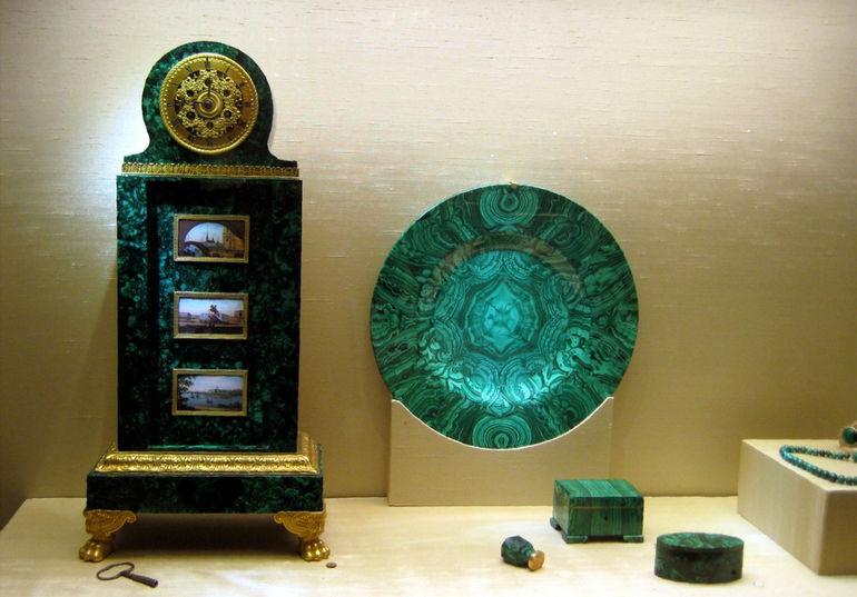 Malachite_items_(Russia,_19_c)