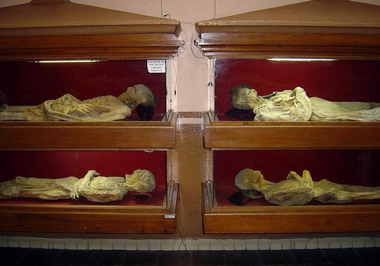 Mummification-process-in-mummification-Museum