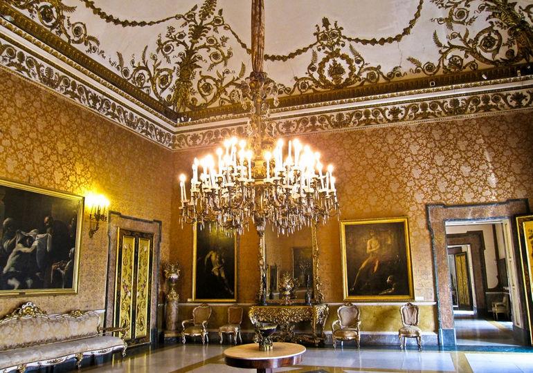 Napoli_-_Palazzo_Reale9