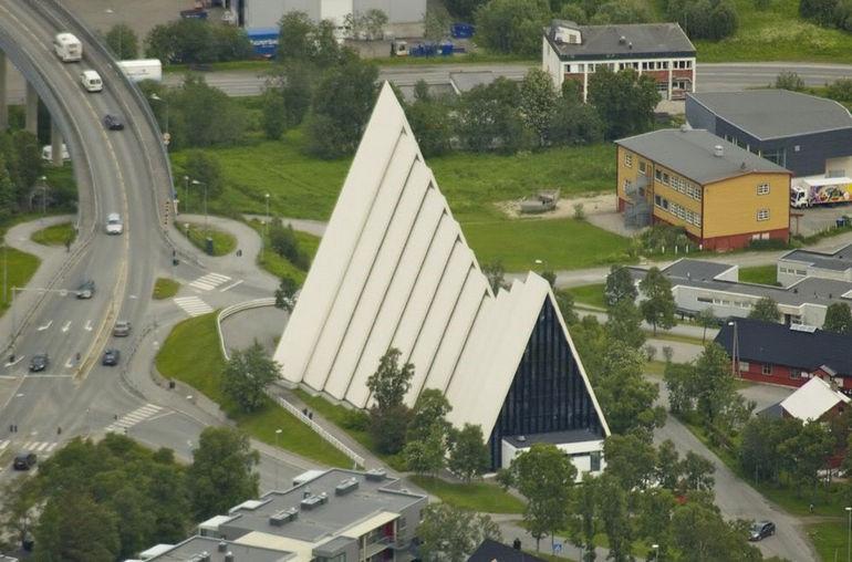 TromsoArcCathBack