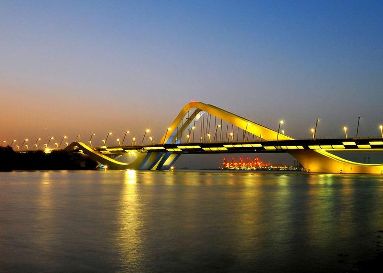 Мост шейха Зайда: очередной архитектурный шедевр ОАЭ
