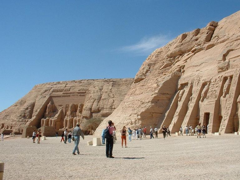 Abu-Simbel-egypt-wallpaper-