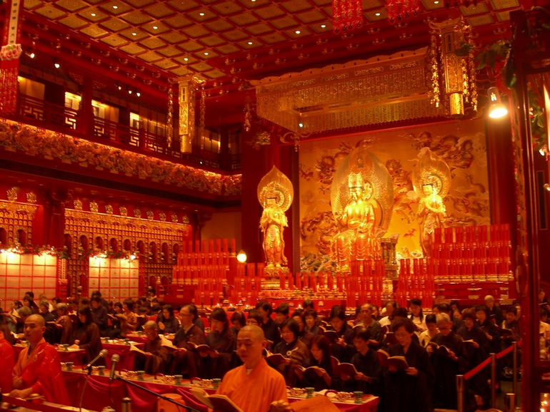 Buddha_Tooth_Relic_Temple_and_Museum_Inside