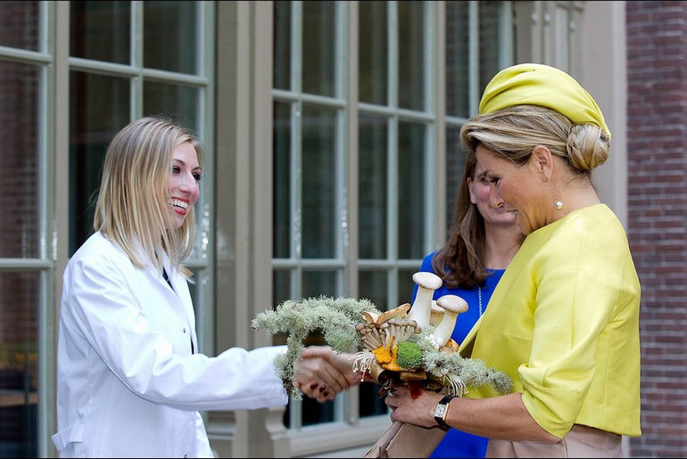 La-reine-Maxima-des-Pays-Bas-inaugure-Micropia-a-Amsterdam-le-30-septembre-2014