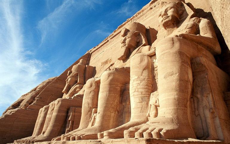 abu_simbel_temples_egypt-wide