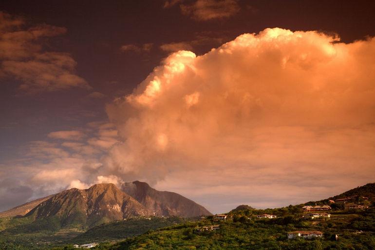montserrat-volcano-1300