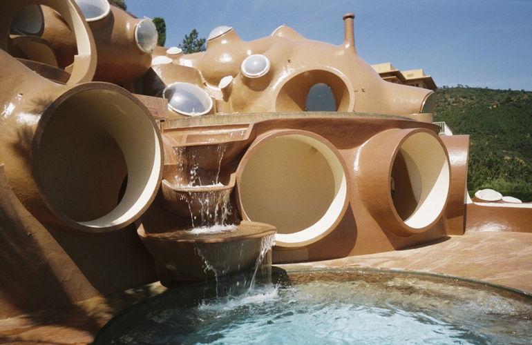 Дворец пузырей: футуристическое сооружение Антти Ловага (Франция)
