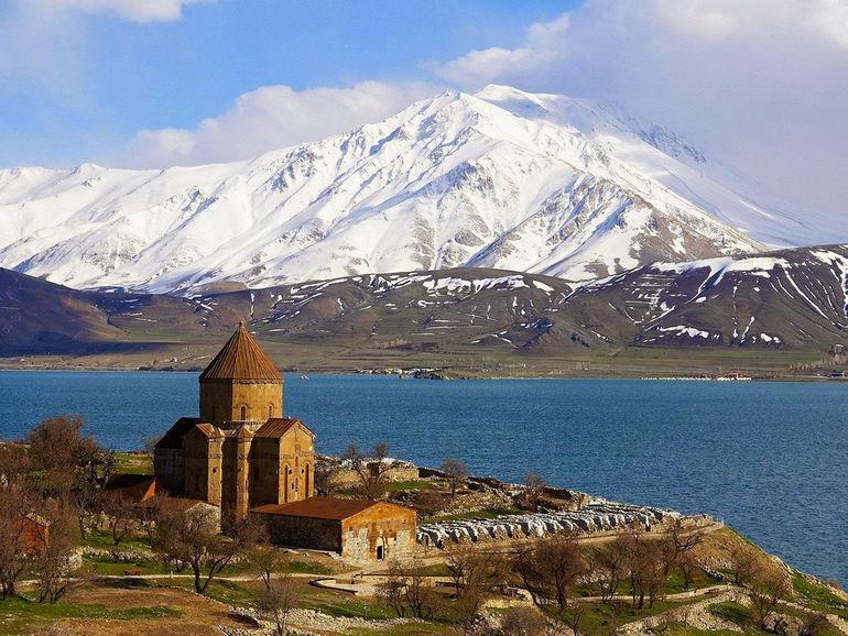 Armenian_Church_and_Lake_Van_Kurdistan_Turkey