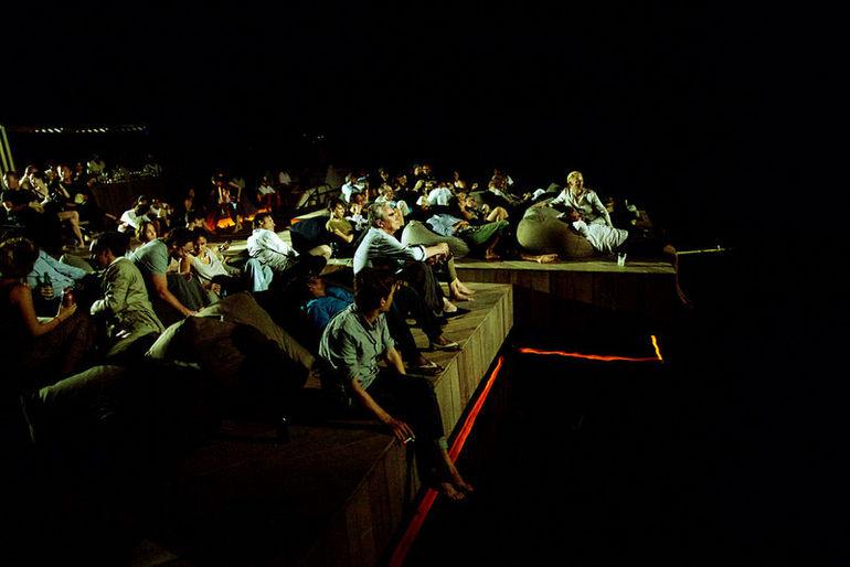 Cinema_on_sea_Thailand