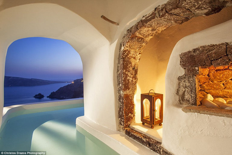 Luxurious Canaves Oia Suites 1