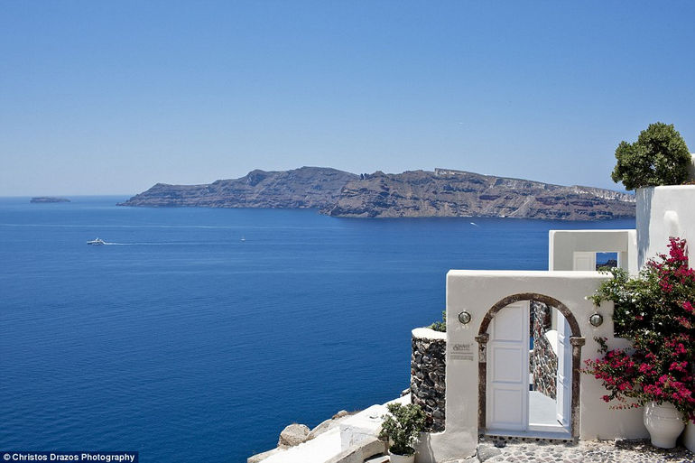 Luxurious Canaves Oia Suites 2