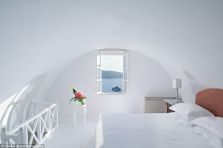 Luxurious Canaves Oia Suites 5