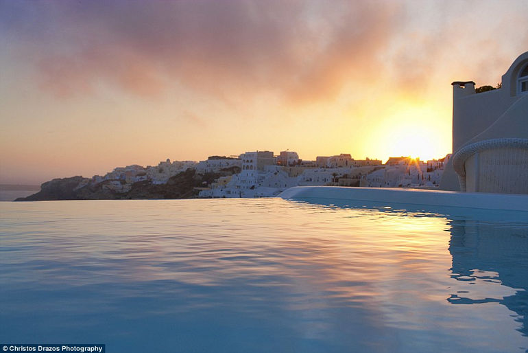 Luxurious Canaves Oia Suites6