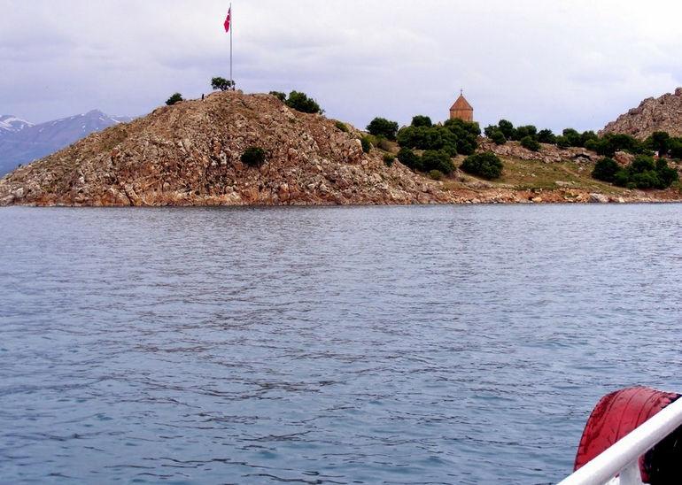 Van Lake Akdamar Island East Turkey-007