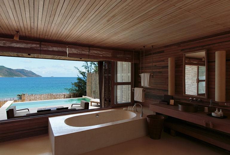 975x660_07_ocean_view_deluxe_bathroom