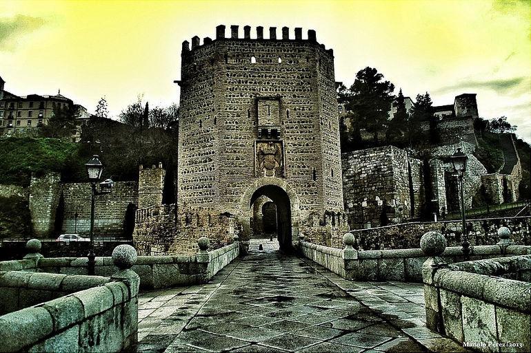 Мост Алькантара в Толедо (Испания)