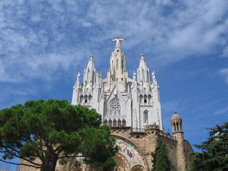 Храм Святого Сердца на горе Тибидабо (Испания)