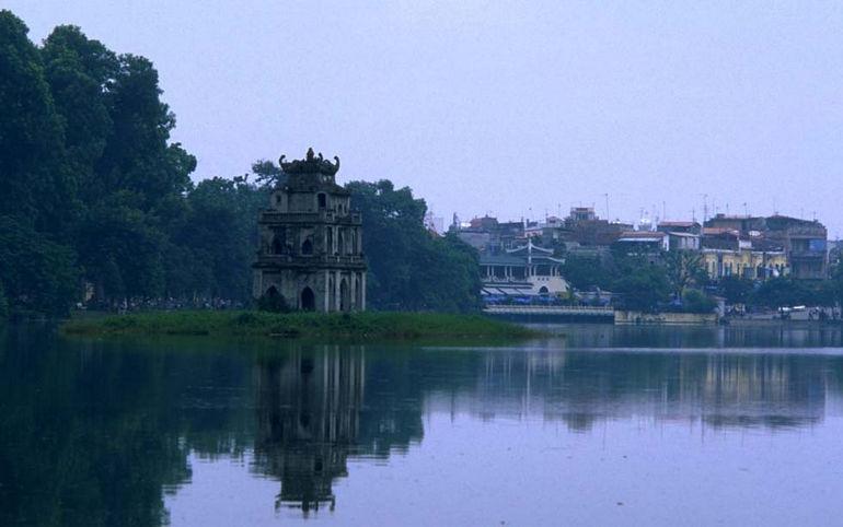 Хоанкьем: легенды озера Возвращенного Меча (Вьетнам)
